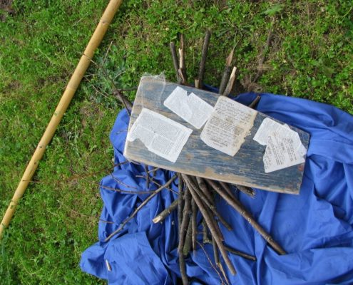 """Frammenti di pagine di """"libri sacri"""" ritrovati su di un barcone di profughi a Lampedusa"""